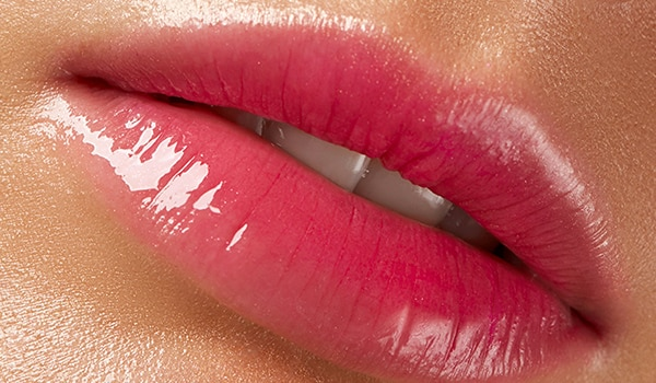 How to ace the glass lip trend in a few easy steps