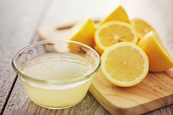 Coconut oil and lemon for dandruff