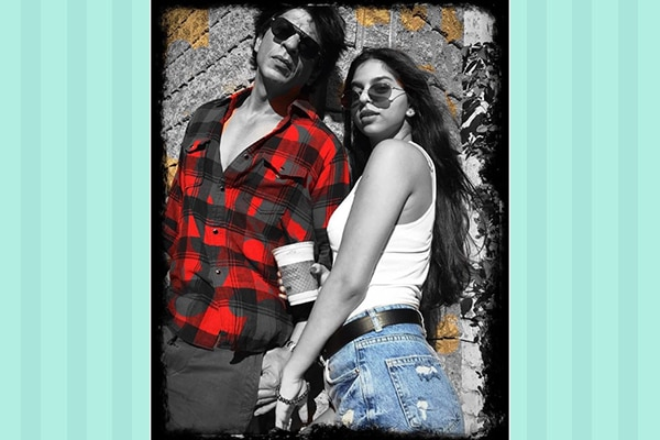 Shah Rukh Khan posing with Suhana