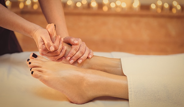 10 Reasons Why You Should Head for a Foot Massage Now!