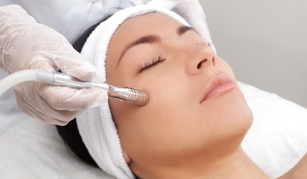 10 Reasons Why a Diamond Facial is the Best Thing for your Skin