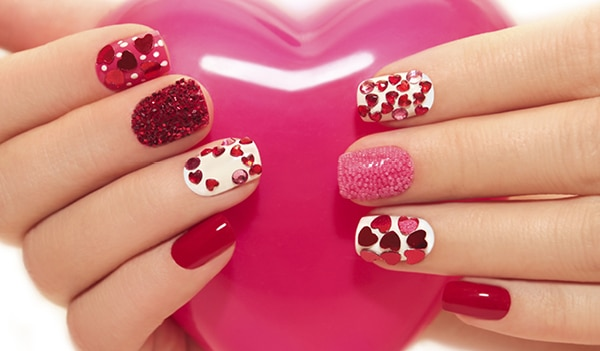 12 Glitter Nail Art Trends to Perk up Your fingertips