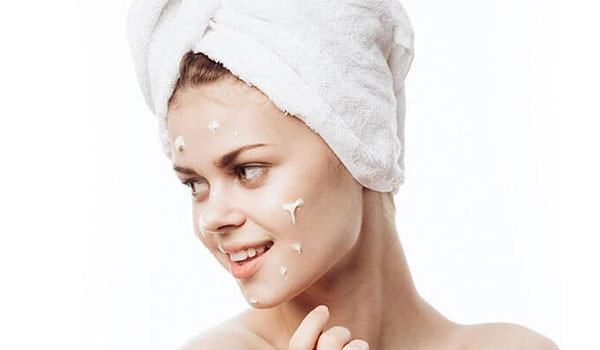 3 ESSENTIAL BENEFITS OF A DAY CREAM