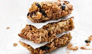 3 healthy DIY granola bars for breakfast on the go