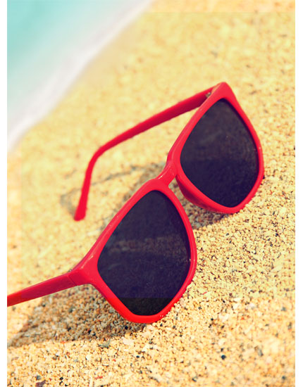 3 ways to stop skin ageing sunglasses 430x550