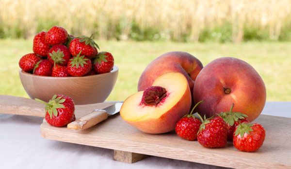 3 WAYS TO TRY SHRADDHA KAPOOR'S FRUIT DIET FOR HEALTHY SKIN