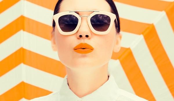 3 ways to wear tangerine lipstick this summer