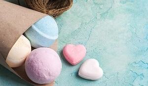 Make A Bath Bomb At Home For Every Mood