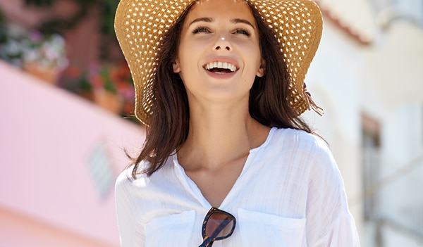 4 amazing benefits of using a tinted sunscreen in summers