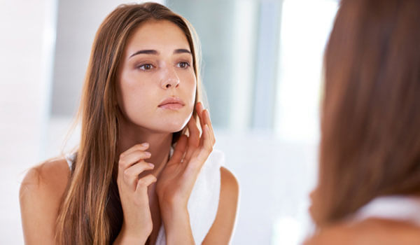 4 REASONS YOU SUFFER FROM BLOTCHY SKIN