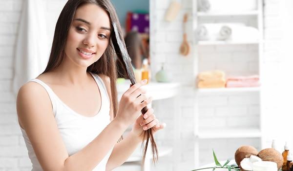 मॉनसून में भी बालों की खूबसूरती बरकरार रखना चाहते हैं तो लगाएं ये 5 घरेलू हेयर मास्क