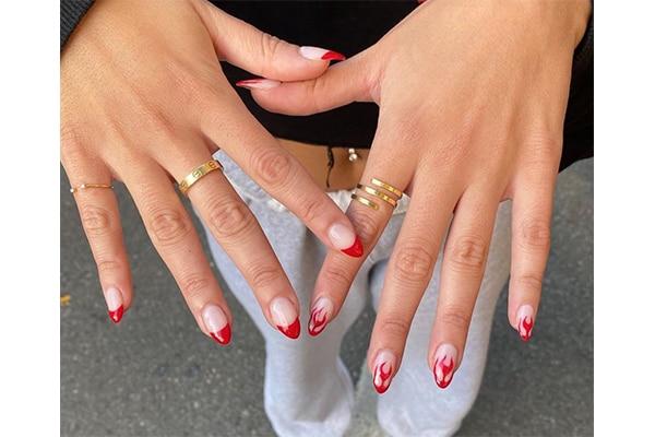 02. Fiyah nails!