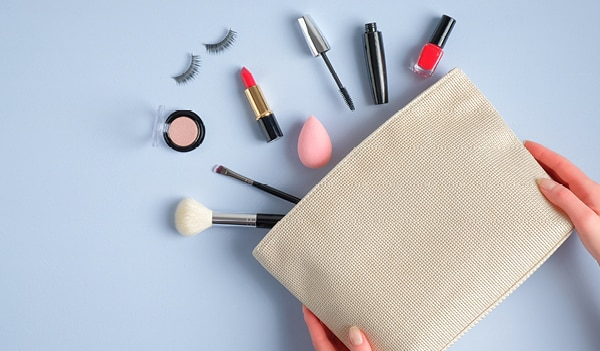 5 beauty products that every girl must have in her monsoon makeup kit