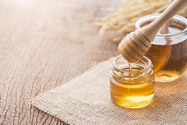 Honey home remedies for fair skin