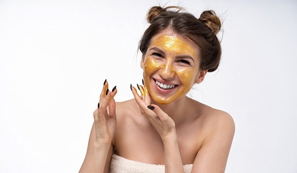 You need to give these 5 best home remedies for fair skin a try today