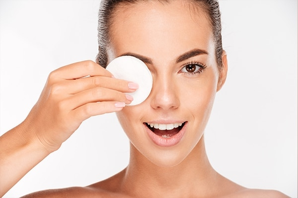 Mistake #4: Removing makeup with your face wash
