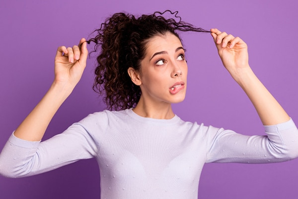 5 curly hair problems and how to deal with them   Be Beautiful India