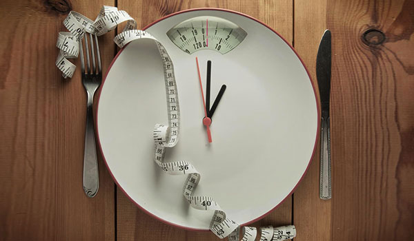 5 SECRETS OF PEOPLE WHO ACTUALLY LOSE WEIGHT