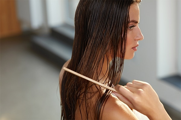 Stop brushing wet hair