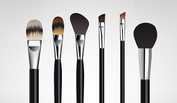 5 MAKEUP BRUSH MISTAKES YOU MIGHT BE MAKING