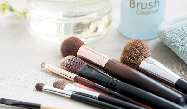 5 makeup hygiene tips every girl should follow