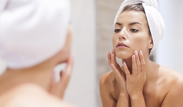 5 makeup mistakes that are making your dry skin drier