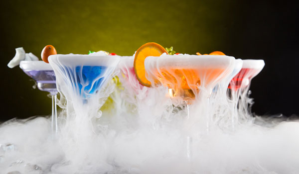5 OUTRAGEOUS COCKTAIL DRINKS YOU DIDN'T KNOW EXISTED
