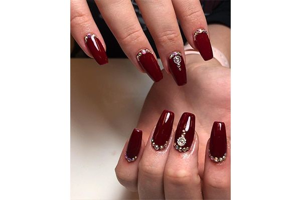 5 Red And Gold Nail Polish Designs For Brides Be Beautiful India
