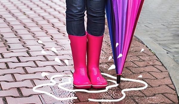 इन 5 टिप्स से आप बारिश में भी पैरों को बना सकते है खूबसूरत