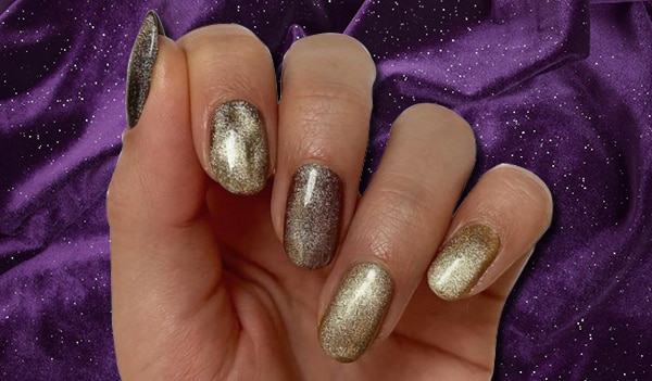 5 trendy velvet nail art ideas for your next manicure appointment