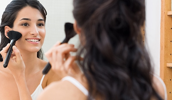 5 ways to deal with an oily T-zone using makeup