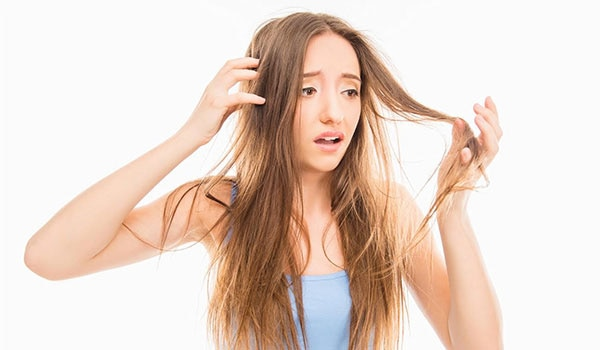 6 habits that are damaging your hair