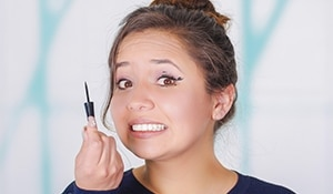 6 Stages of applying the perfect winged eyeliner we all know too well