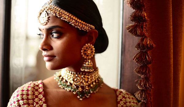 6 TRICKS TO ENSURING YOUR MAKEUP LASTS LONGER ON YOUR WEDDING DAY