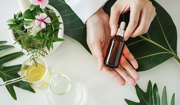 3 natural oils you need if you have dry skin