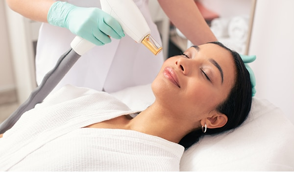 A dermatologist's guide to the benefits of a laser facial treatment (Skin Resurfacing)