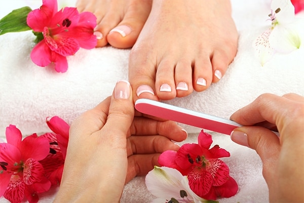 Step 03: Trim and shape your toe nails