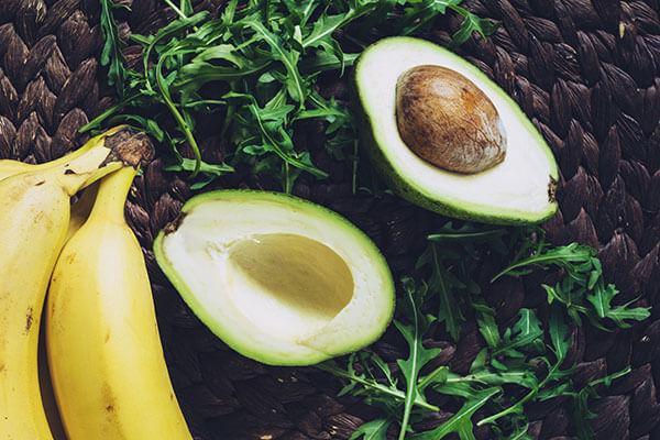 Avocado and banana to get rid of dull skin