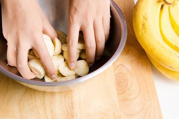 Banana and honey for dry hair