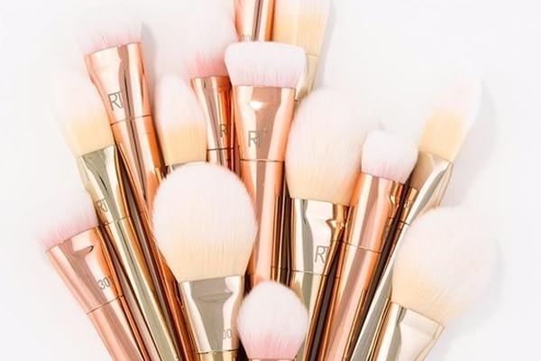 #5 Use clean brushes and blenders