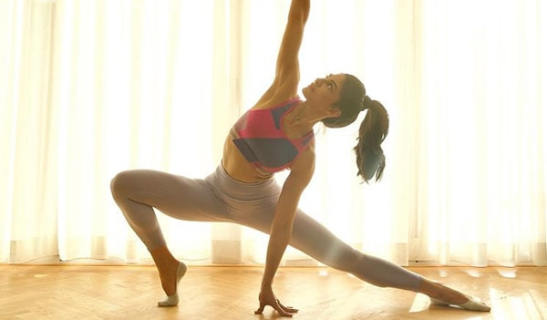 5 celebrity-inspired home workout ideas for healthy, flushed skin