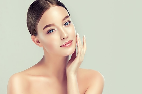 What is face bleach and how does it work?