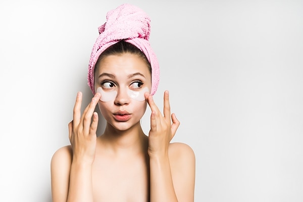 What should you keep in mind while face bleaching?