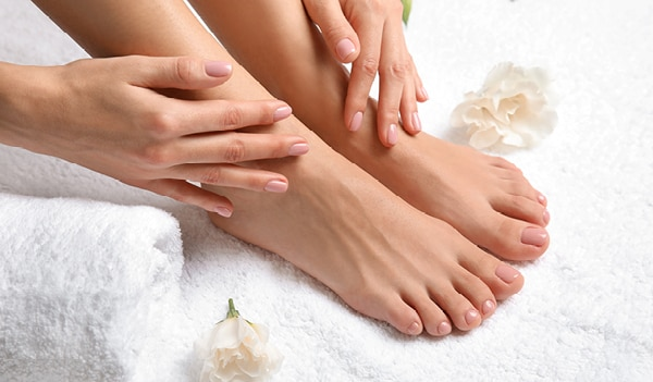 How to give yourself a quick pedicure at home