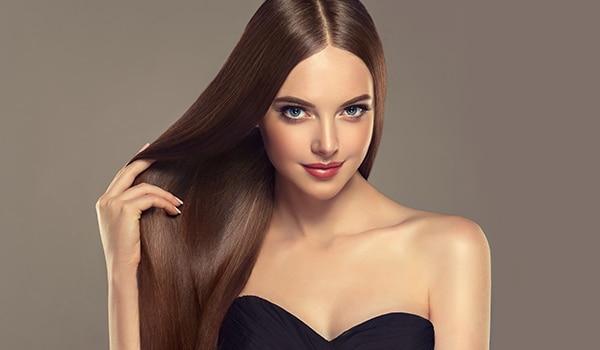 बालों की उलझन? बालों को बिना नुक़सान पहुंचाए यूं सुलझाएं