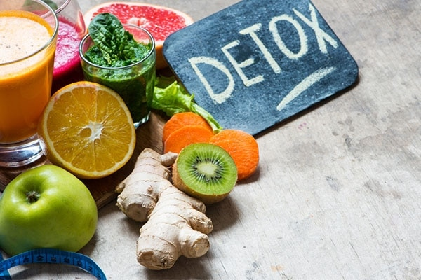 Detoxes vs Cleanses: