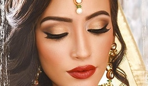 Bold eye makeup looks to try this festive season