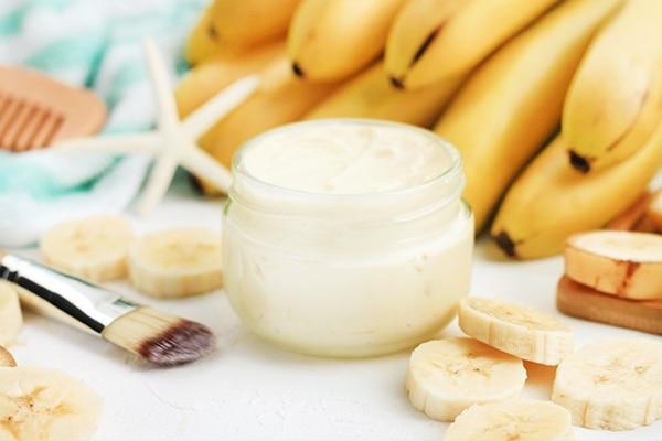 Banana and yogurt hair mask