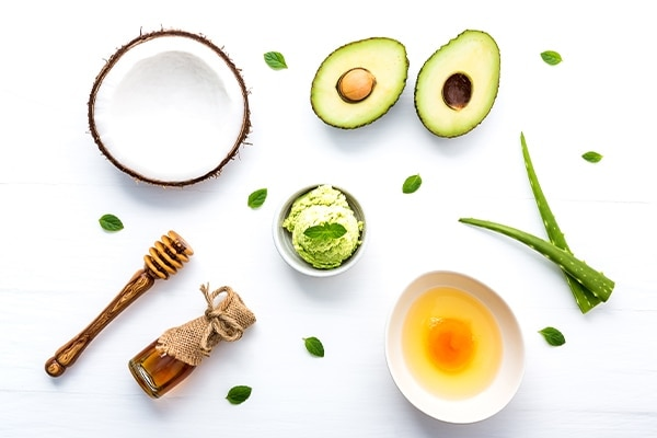 Coconut oil, avocado and honey hair mask