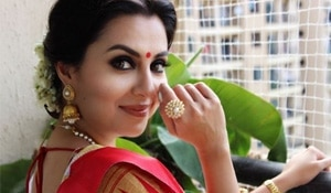 This Durga Pujo, get the perfect Bengali eye makeup with this easy hack